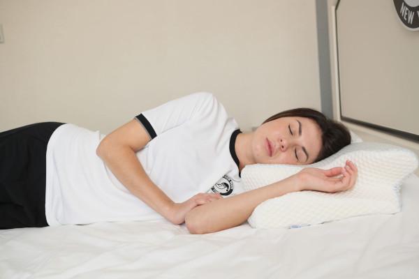 高さのある枕を選ぶ